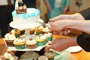 Cupcake Wedding Cake - 04