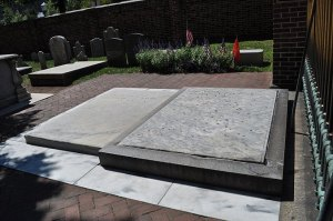 The grave of Benjamin Franklin—covered in pennies.
